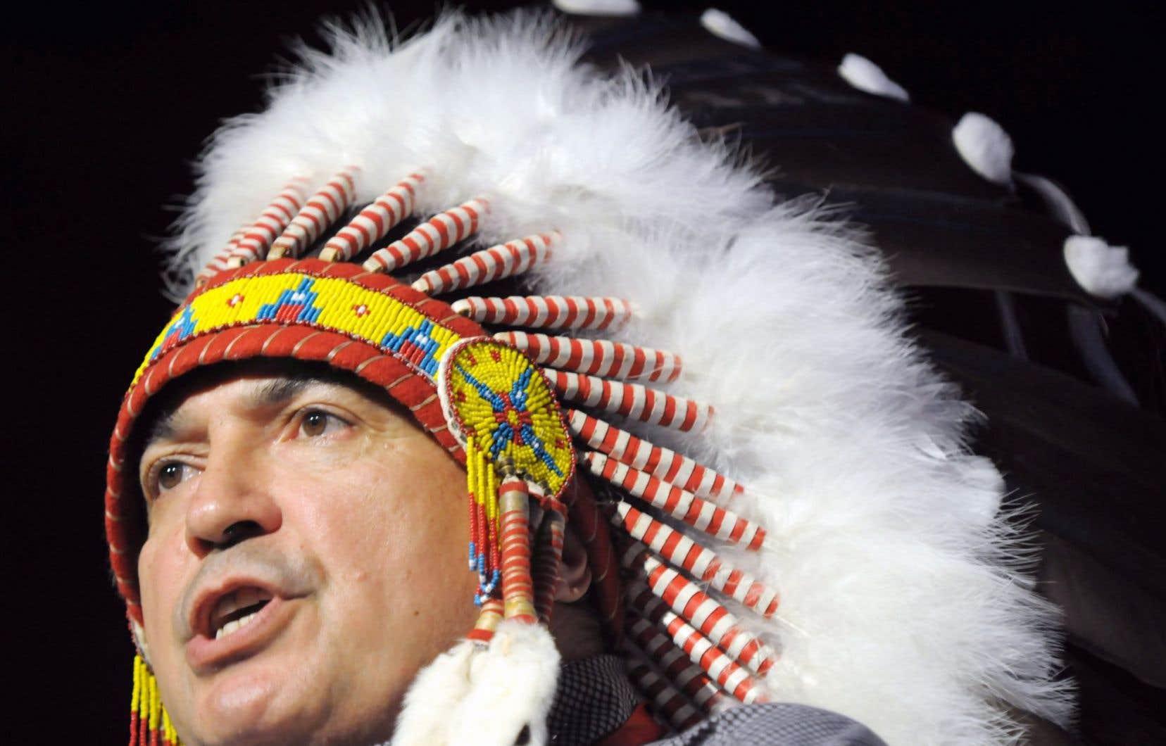 Le chef de l'Assemblée des Premières Nations, Perry Bellegarde, soutient que les autochtones doivent collaborer avec les autres Canadiens pour trouver des solutions à la discrimination.