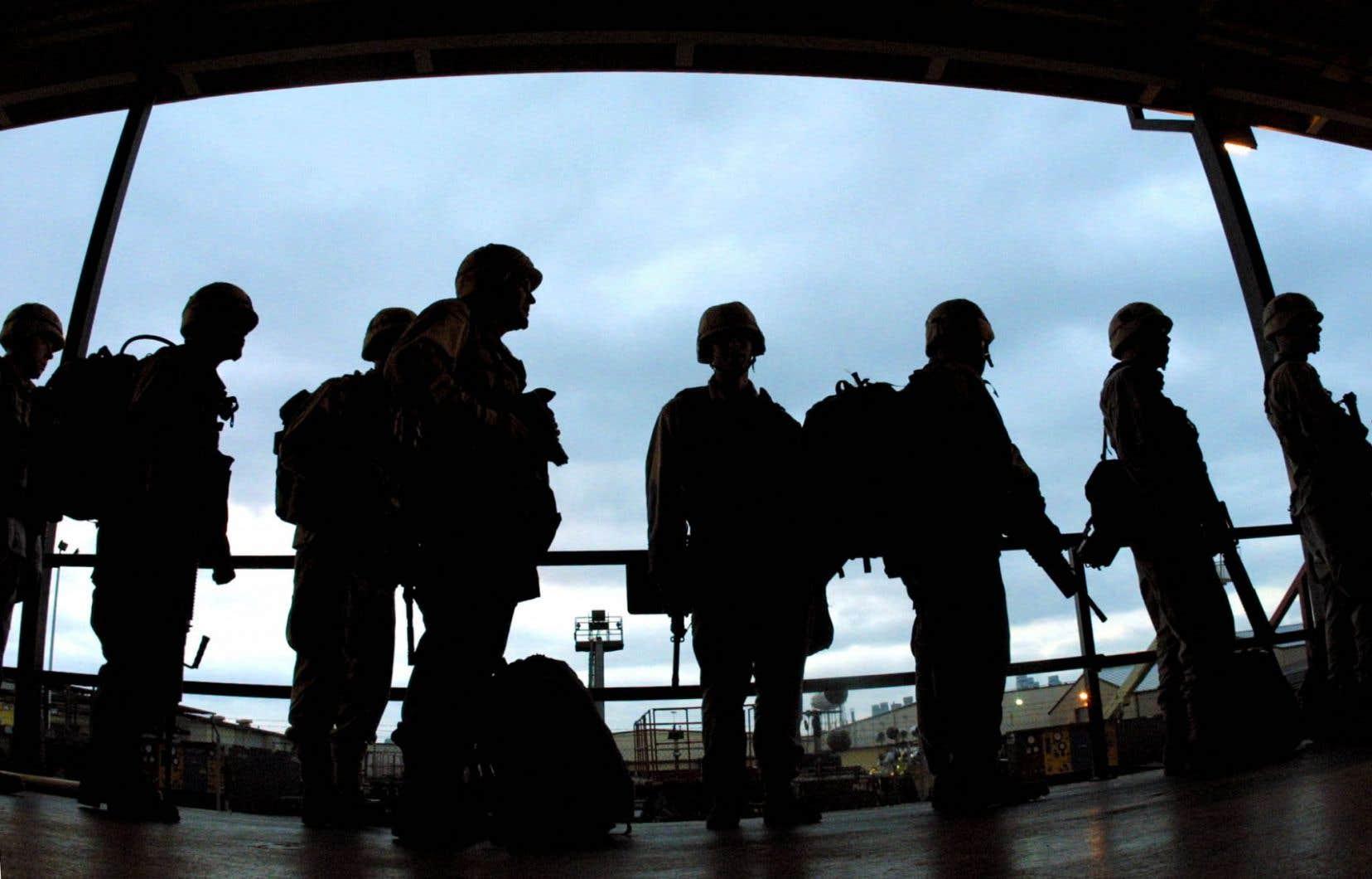 Selon le ministère américain de la Défense, il y aurait de 2500 à 7000 personnes transgenres sur les 1,3 million de militaires en activité.