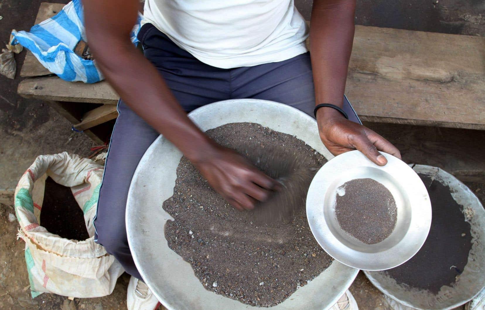 Grâce à l'Initiative mondiale de transparence des industries extractives, Global Witness a pu refaire le chemin emprunté par l'argent tiré des revenus miniers.