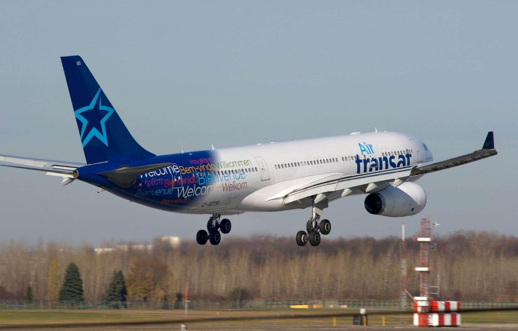 «Le vol TS157, un Airbus A330 en provenance de Bruxelles […], a dû se poser à Ottawa plutôt qu'à Montréal en raison de ces orages», a écrit Air Transat sur son site Internet.