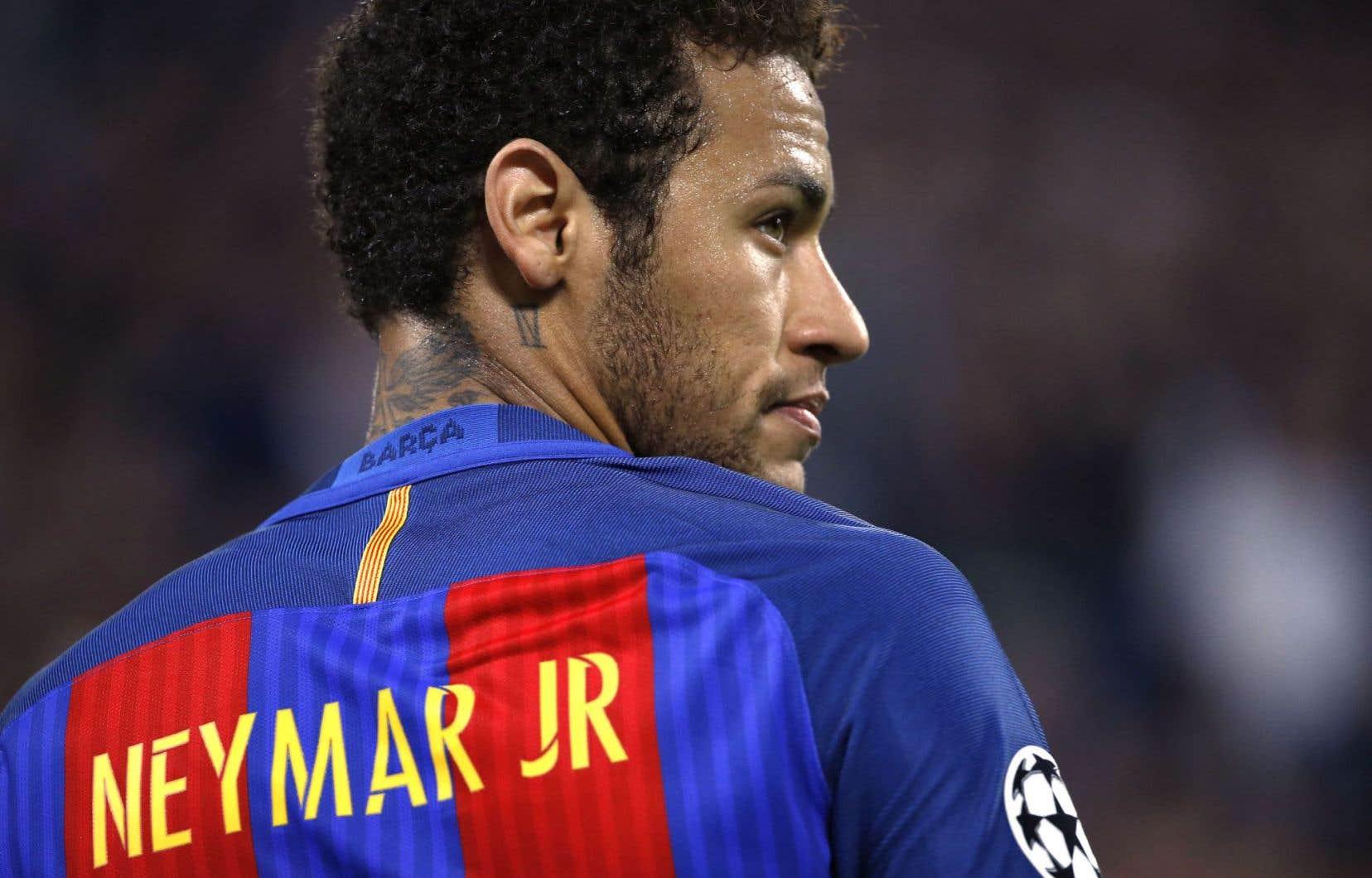 Le Paris Saint-Germain est sur le point de régler les 222millions d'euros nécessaires pour amener le joueur brésilien dans ses rangs.