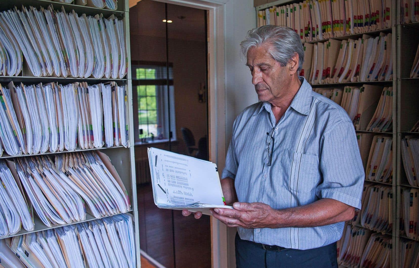 Le directeur général du centre Robert Piché-Elphège Roussel, Robert Gauthier, a dû annoncer à ses patients la fermeture du centre situé à Saint-André-d'Argenteuil.