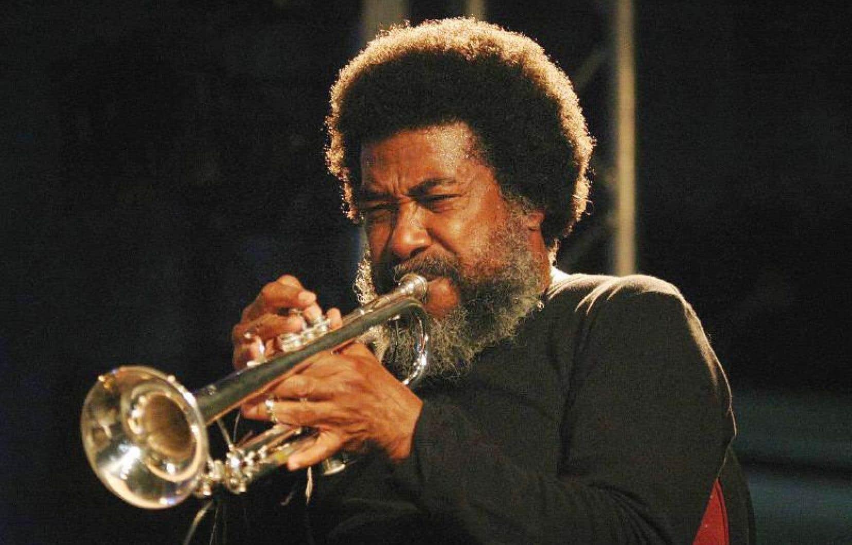 Wadada Leo Smith incline fortement vers le free jazz et la musique contemporaine.