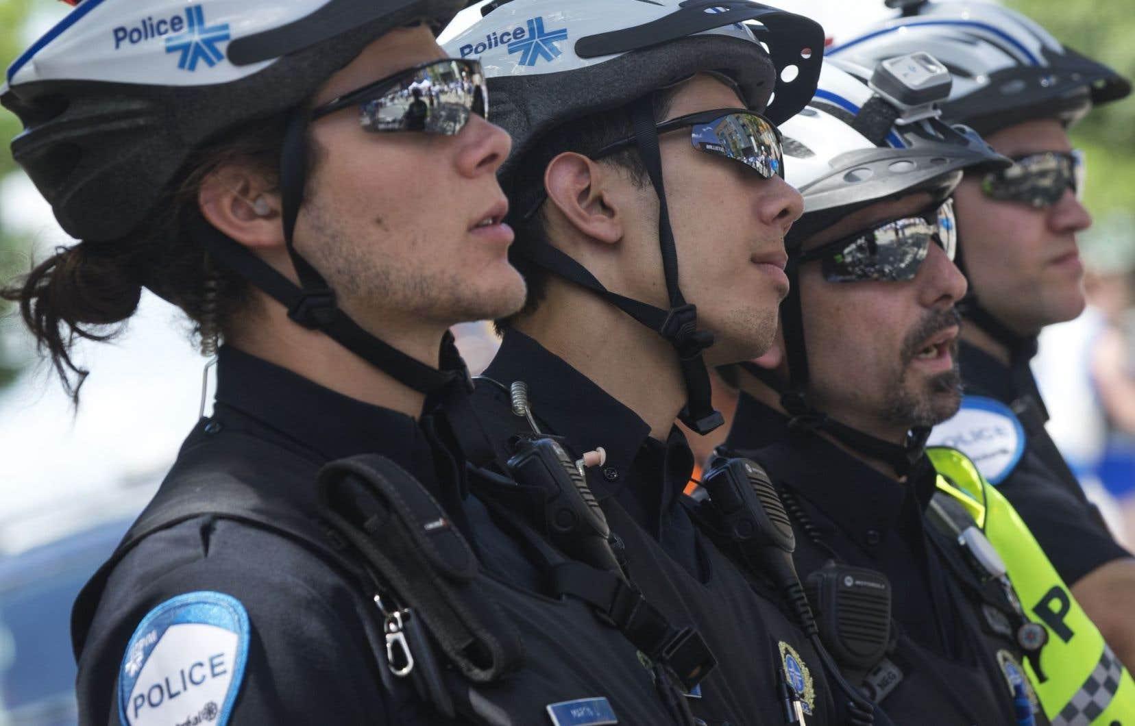 Depuis l'annonce d'une entente de principe, le 24juin, les policiers de la métropole ont revêtu leur uniforme réglementaire.
