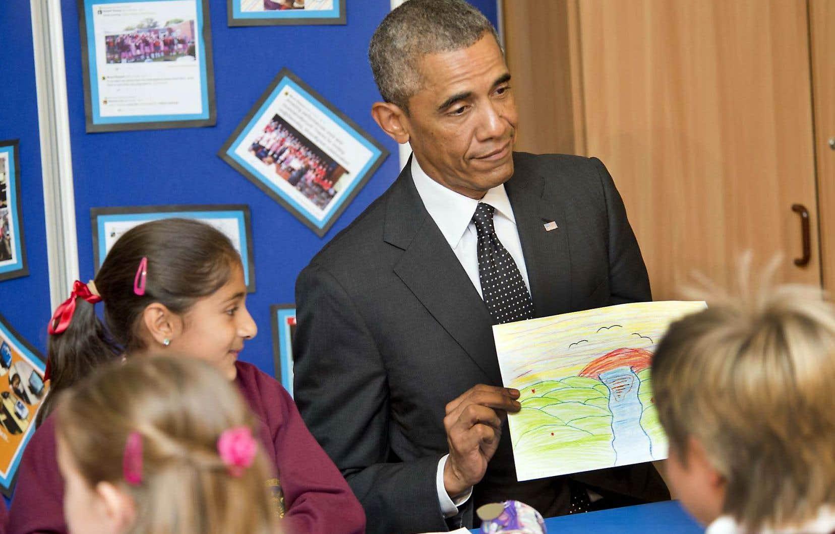 Le président américain Barack Obama rencontre les enfants de l'école Mount Pleasant Primary School à Newport, dans le sud du Pays de Galles, le 4 septembre 2014.