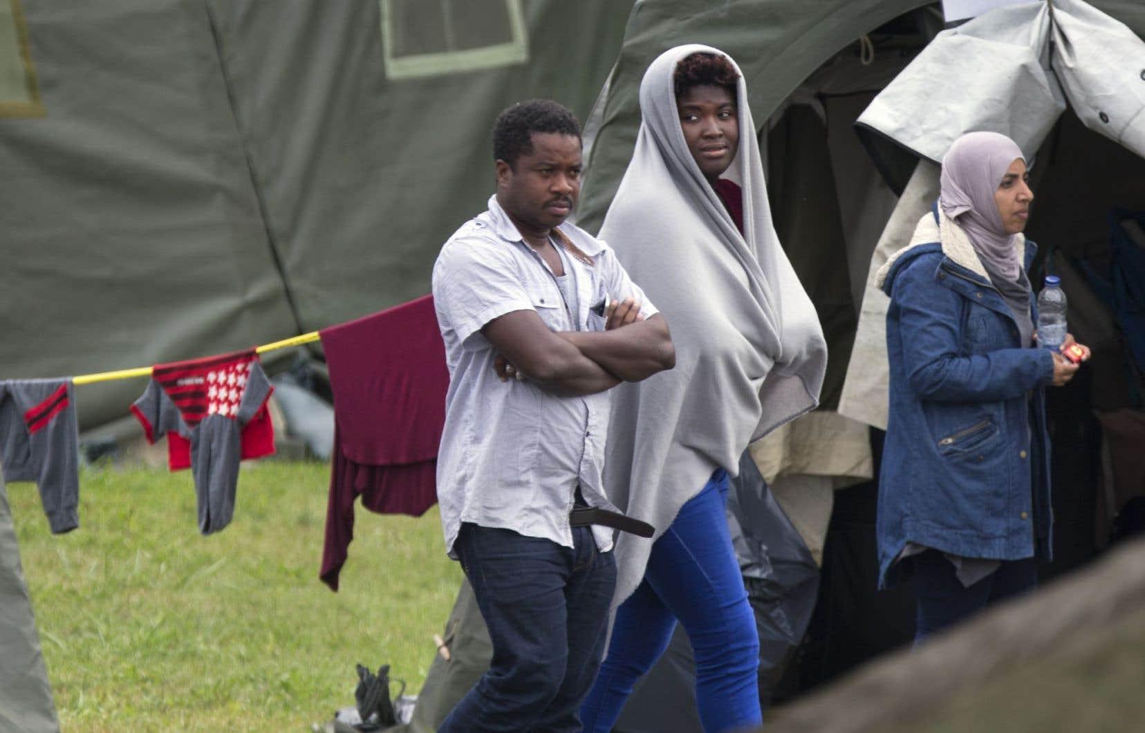 Avec 250 nouveaux demandeurs d'asile qui arrivent par jour, la GRC qualifie l'affluence de «sans précédent».