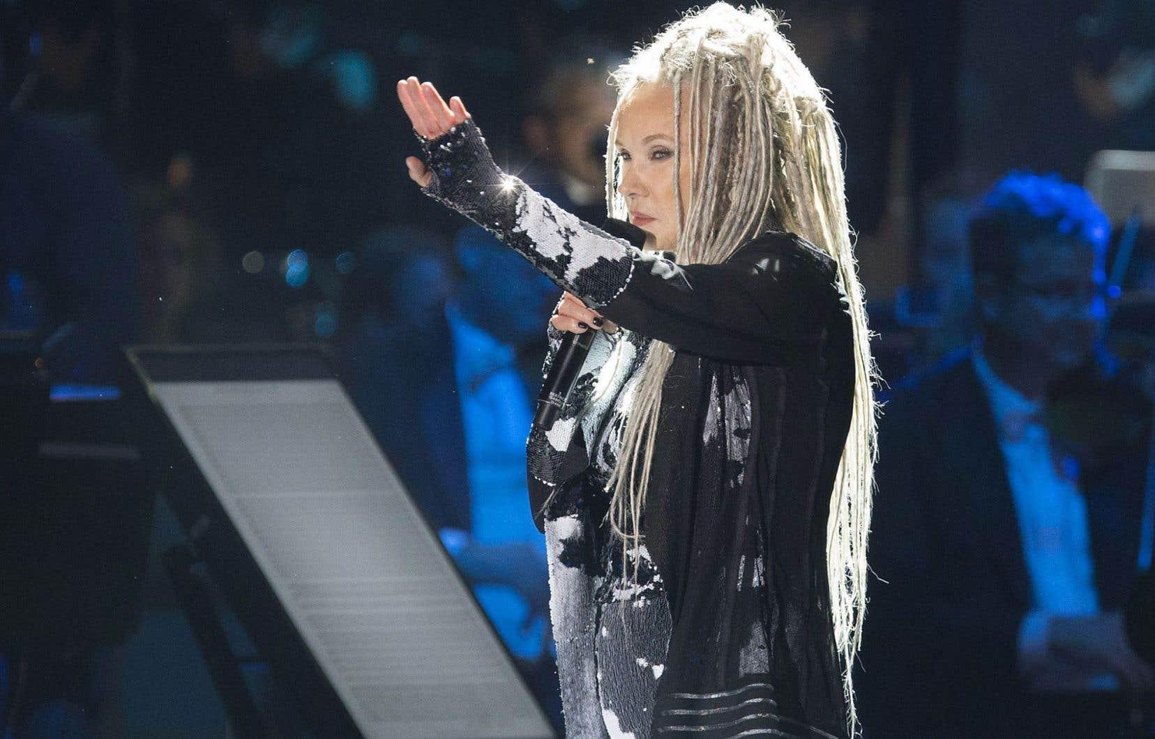 Diane Dufresne a interprété «L'hymne à la beauté du monde» lors de «Montréal symphonique».