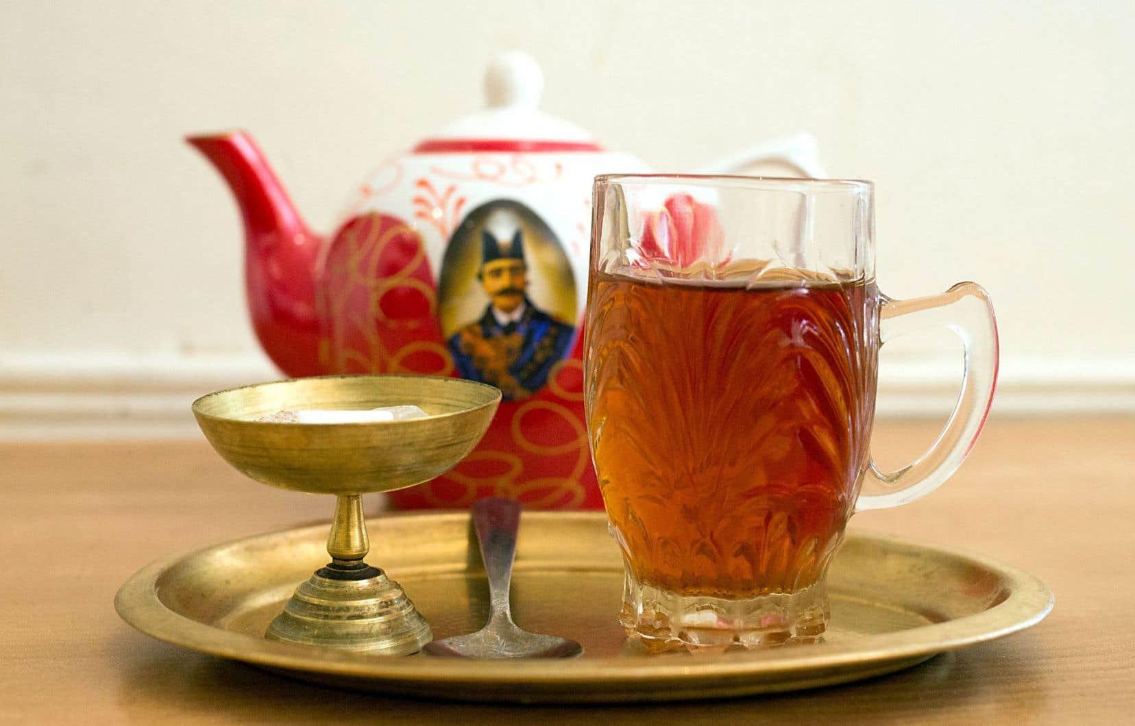 Le thé traditionnel iranien de Heméla Pourafzal