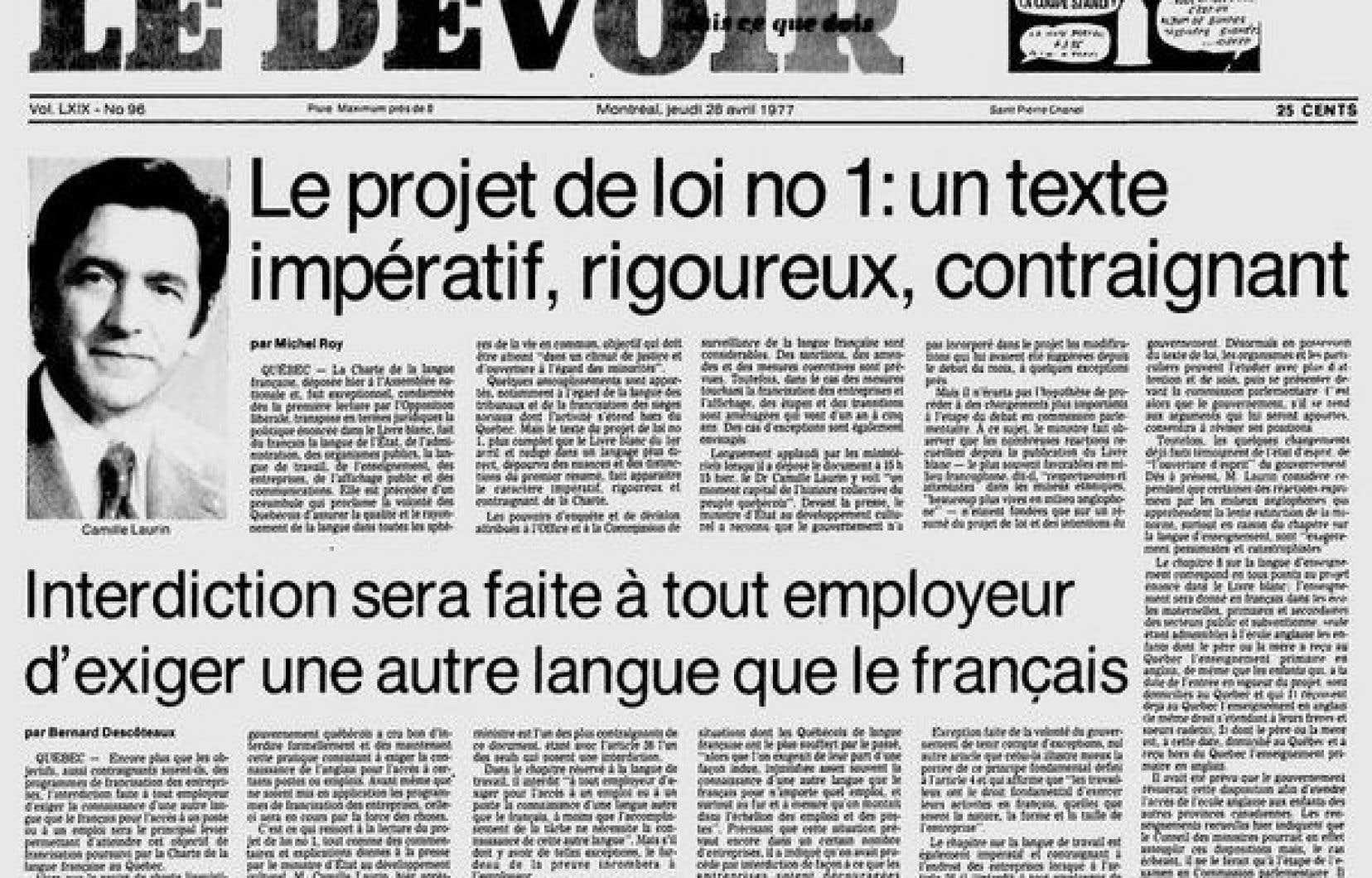 <p>La Charte de la langue française est adoptée le 26août 1977 par 54 voix contre 32.</p>