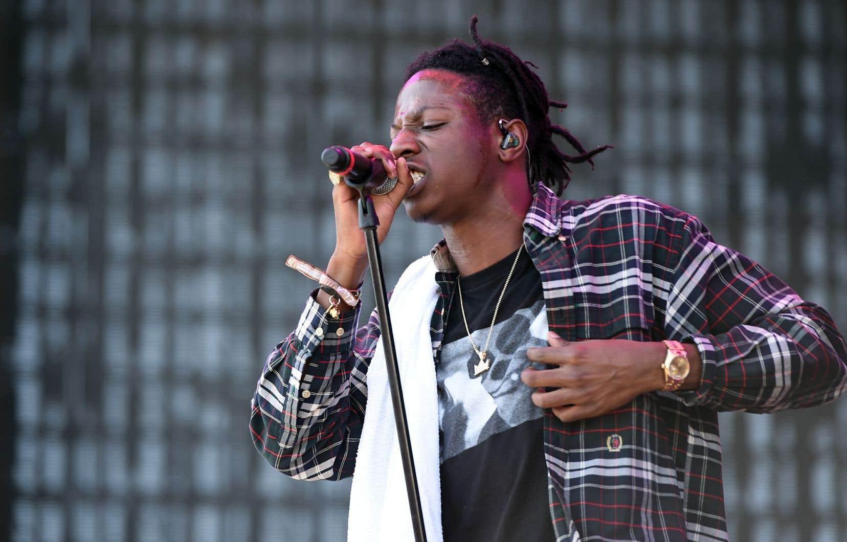Le rappeur Joey Bada$$ lors d'un concert en Californie en avril 2016
