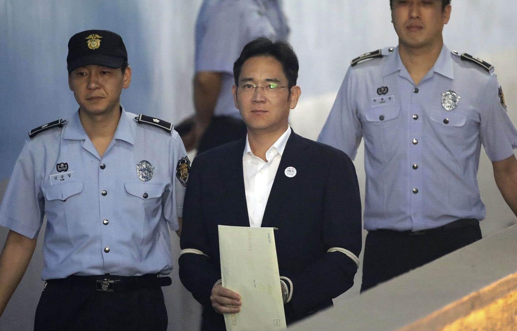 La condamnation de M.Lee est la plus lourde jamais infligée à un patron de «chaebol» en exercice.