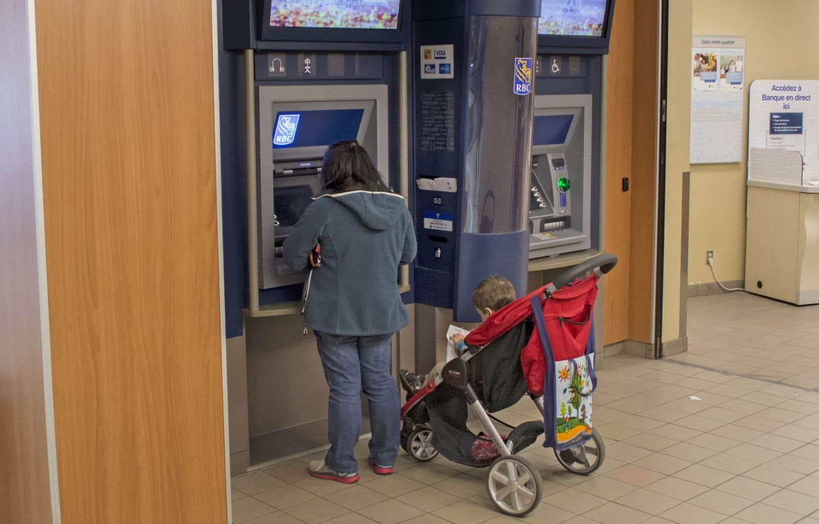 L'endettement des ménages est une des grandes priorités de la Banque du Canada, dont les ajustements au taux directeur ont un effet sur le coût des emprunts.