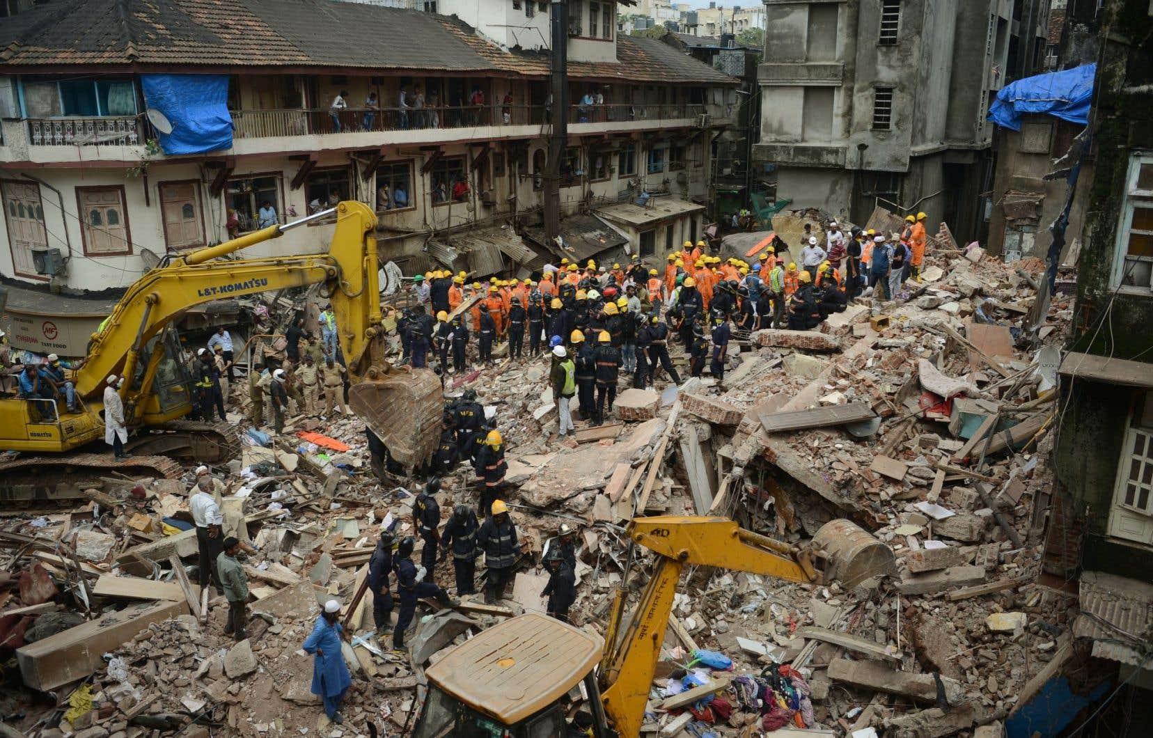 Les effondrements d'édifices sont fréquents en Inde, particulièrement durant la période de mousson qui s'étend de juin à septembre dans le sous-continent.