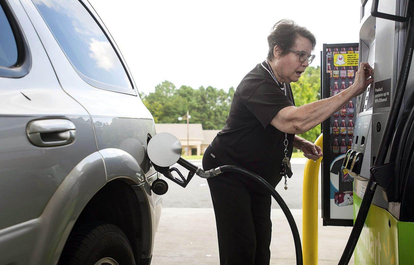 Il devient de plus en plus difficile de faire le plein à certains endroits au Texas. Certaines stations- service sont à sec.