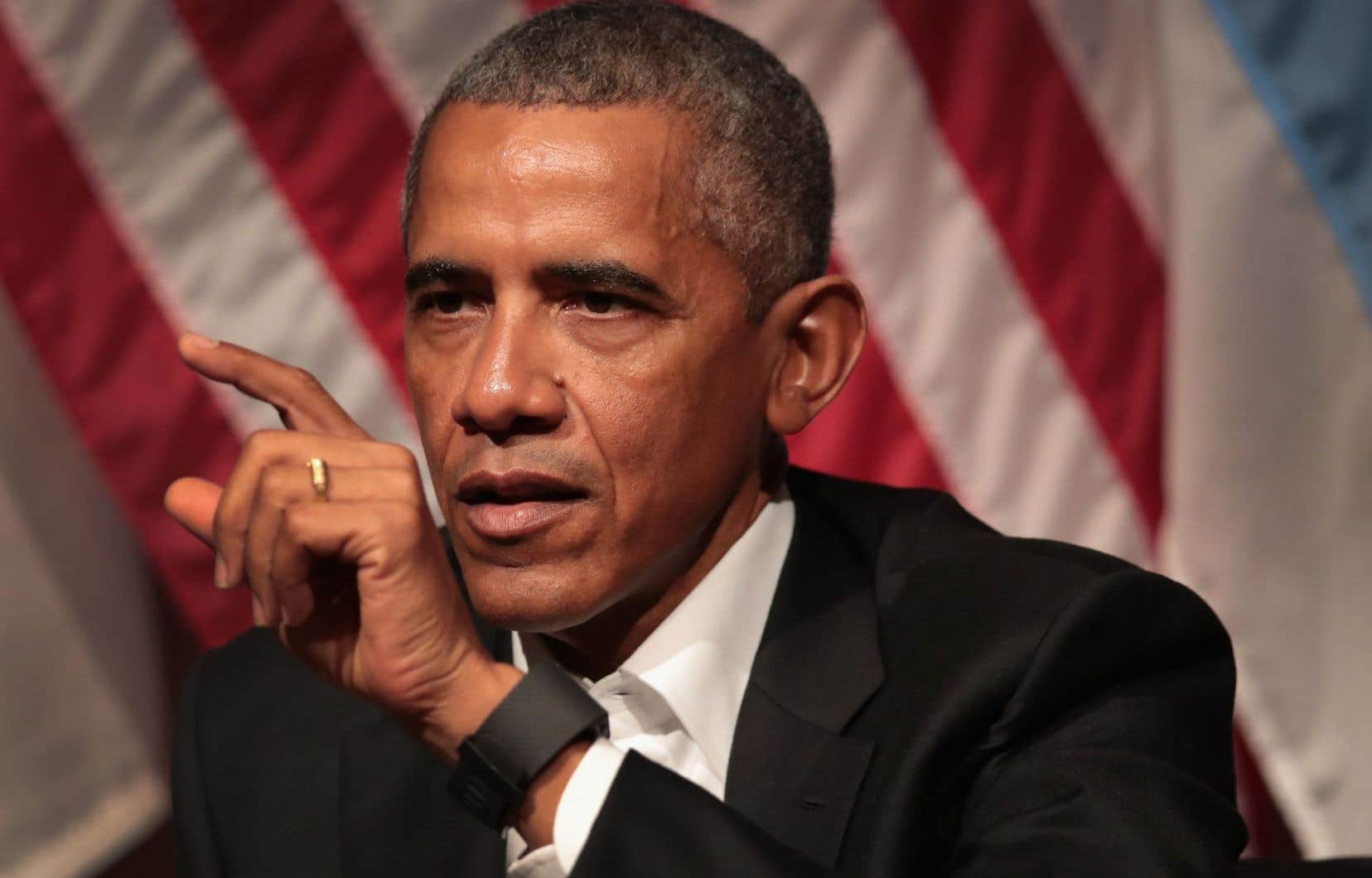 En fin d'après-midi, l'ancien président américain Barack Obama a dénoncé sur les médias sociaux une décision «cruelle», prise «en dépit du bon sens».