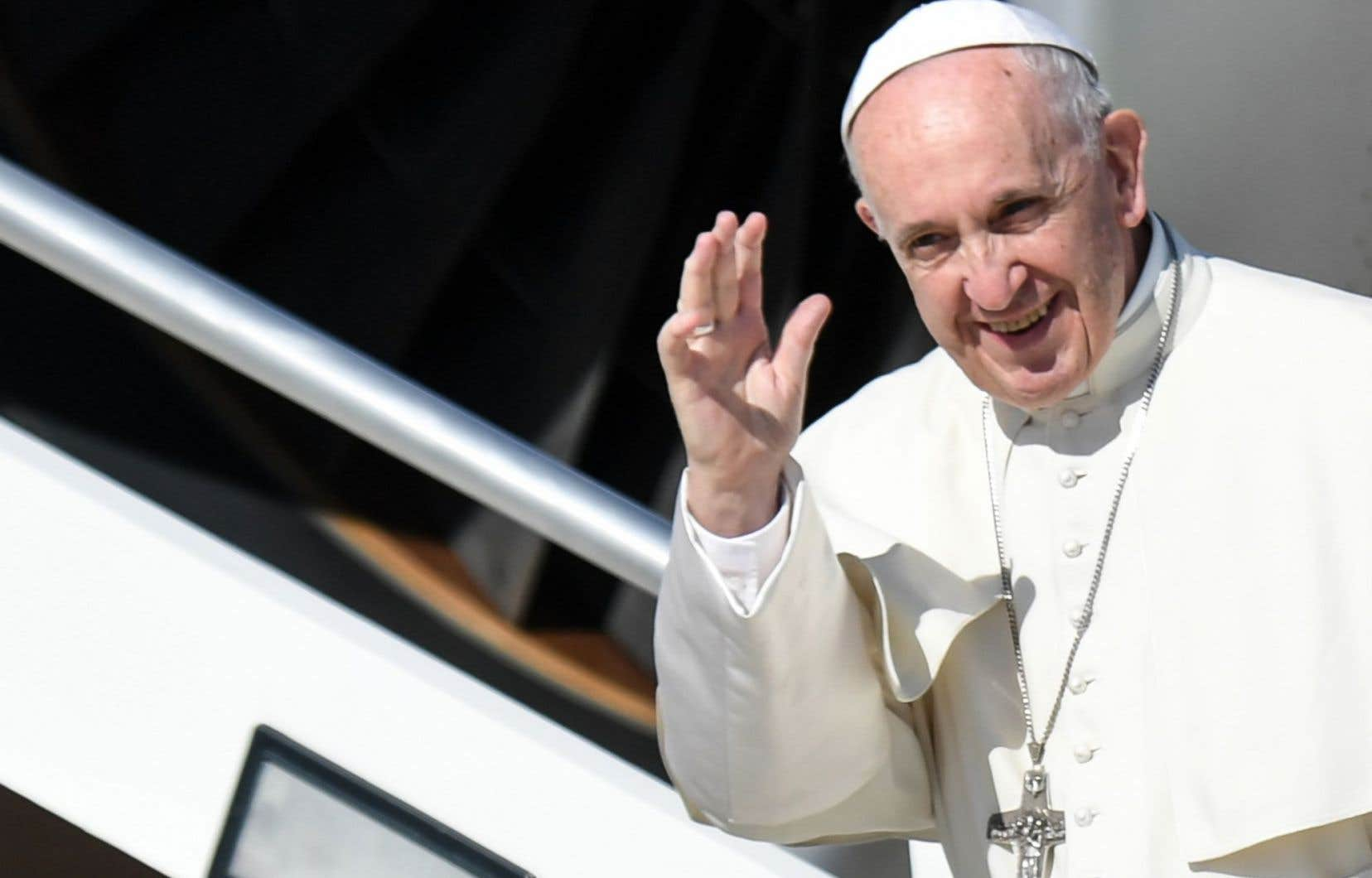 Le pape argentin a quitté Rome peu après 11 h (5 h à Montréal) à destination de Bogota.