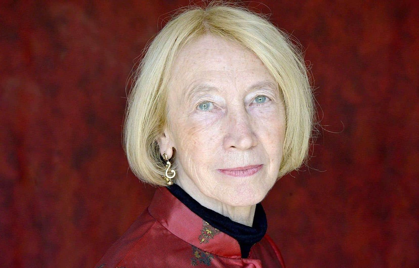 Le dernier roman de Chantal Thomas rattache passé et présent dans une écriture pareille à une onde, régulière et chantante.