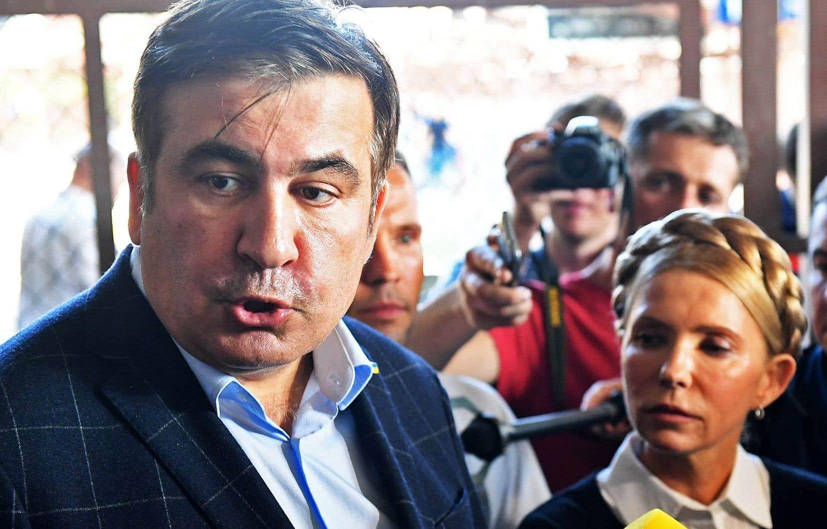 L'ex-président géorgien Mikheïl Saakachvili photographié à la station de train de Przemysl, en Pologne, dimanche