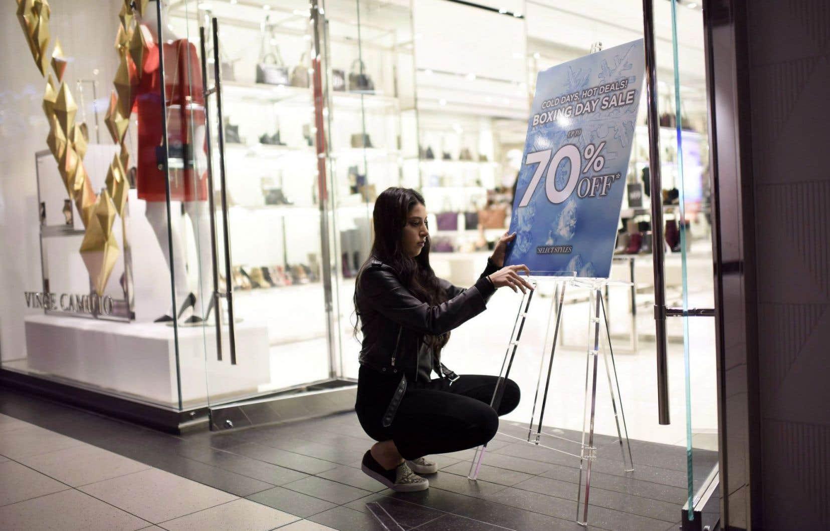 <p>Le critique financier de l'Ontarioestime à environ 50000 pertes d'emplois devant en résulter du nouveau salaire minimum, une cible qualifiée de conservatrice.</p>