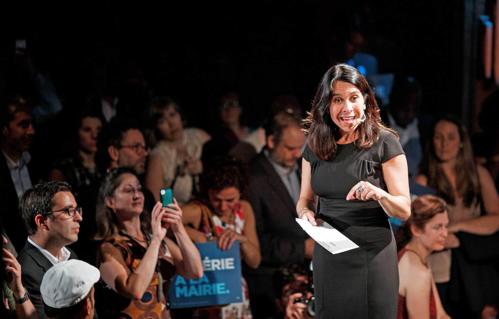 Valérie Plante a notamment critiqué la gestion de l'actuel maire dans les célébrations entourant le 375eanniversaire de la ville, lundi soir, au Lion d'Or.