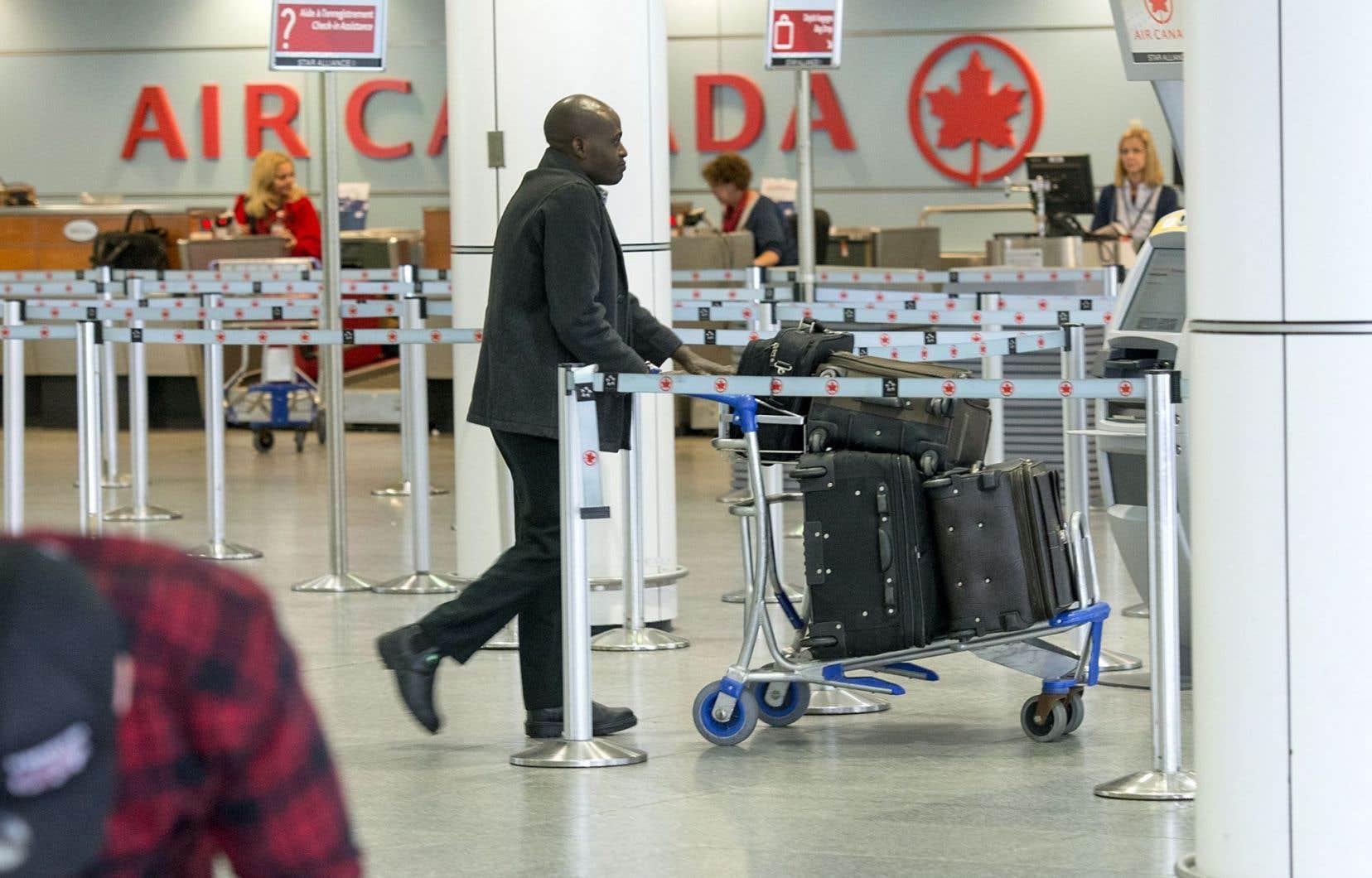 Le nouveau programme de fidélisation permettra aux clients — particulièrement à ceux qui voyagent souvent — d'obtenir et d'échanger des points avec plus de flexibilité, croit le président des lignes aériennes chez Air Canada, Ben Smith.