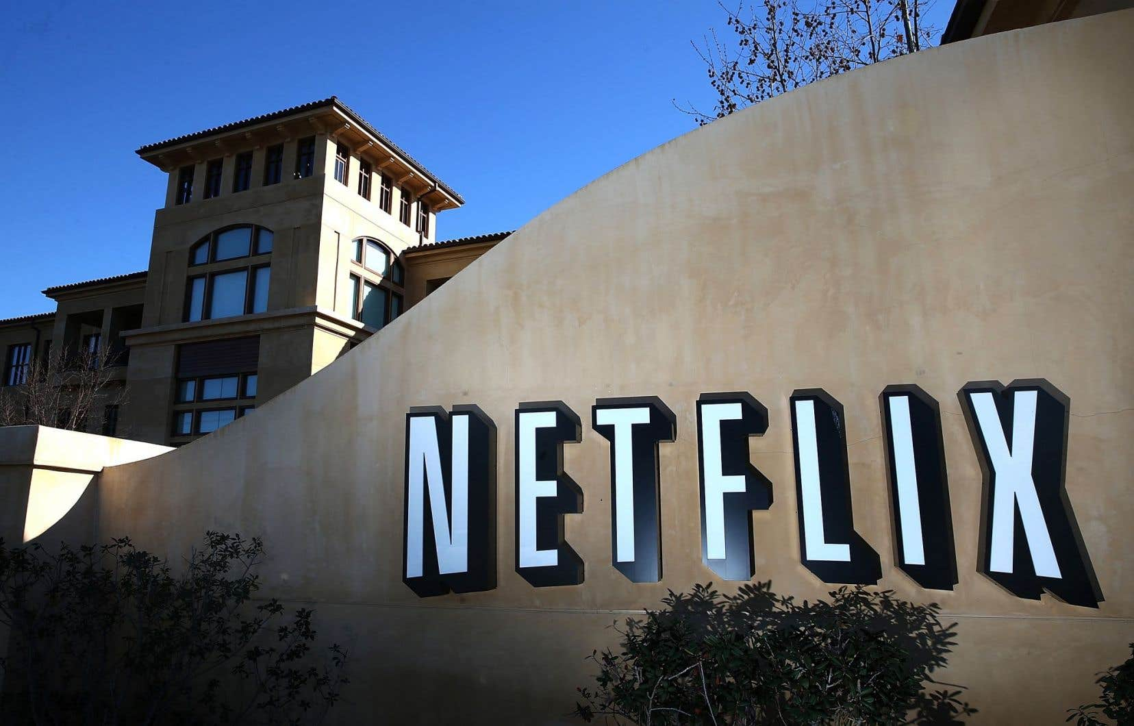 Les signataires tirent la sonnette d'alarme sur la menace que représentent à leurs yeux les «services par contournement» (SPC, comme Netflix, Google ou Facebook).
