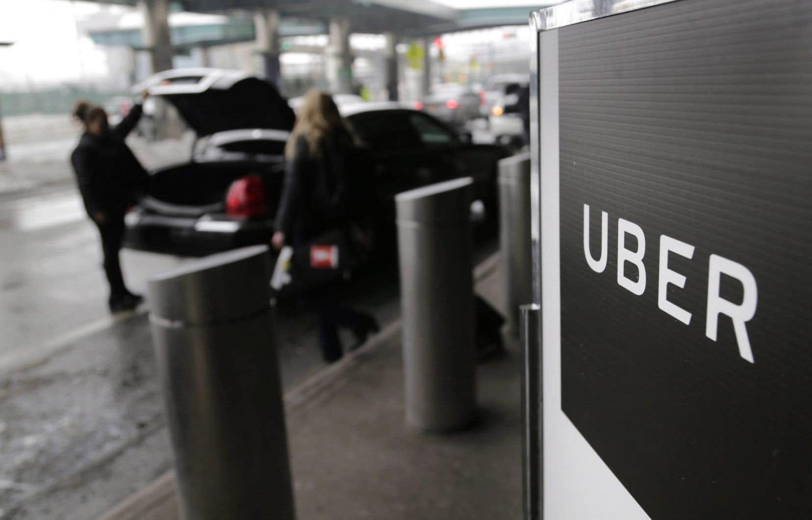 Uber n'accepte pas l'exigence gouvernementale d'une formation obligatoire 35 heures avant que les chauffeurs puissent prendre le volant.