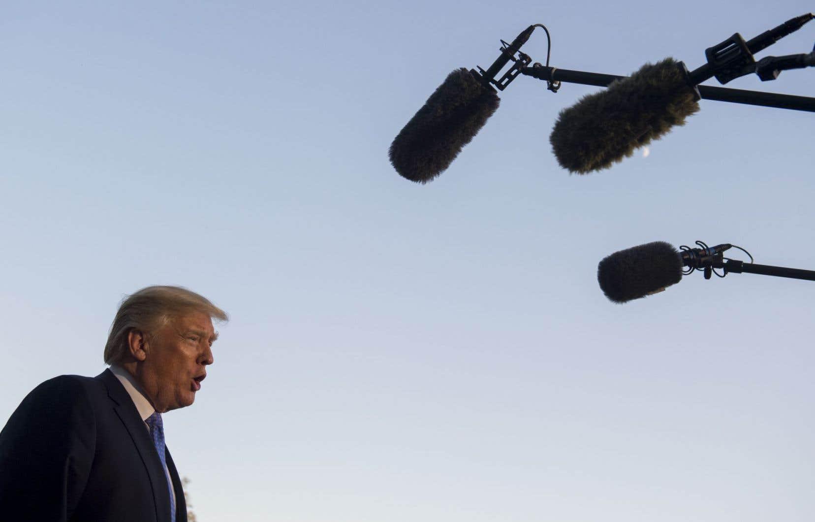 Donald Trump a été critiqué pour la lenteur de l'aide apportée par son administration à Porto Rico, ce territoire américain des Caraïbes.