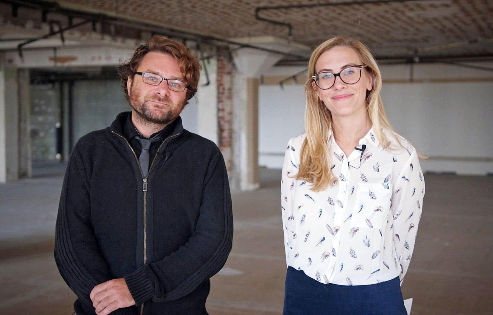 Fabien Deglise, du «Devoir», et Émilie Perreault, du 98,5 FM