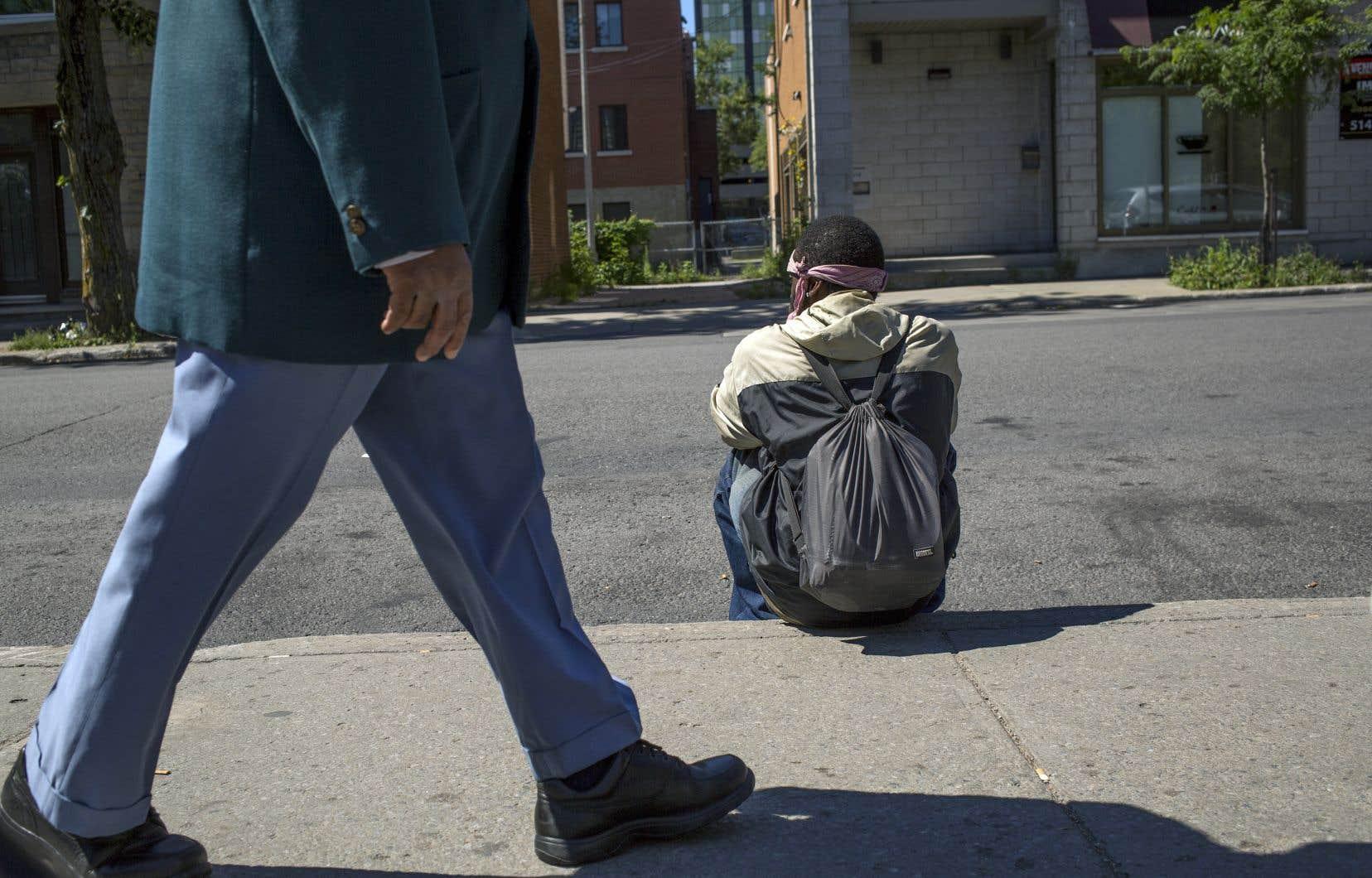 Le plan d'action lancé par les organismes mercredi réclame l'embauche «urgente» d'au moins deux travailleurs de rue et d'un coordonnateur, plus utiles qu'un dénombrement des itinérants.