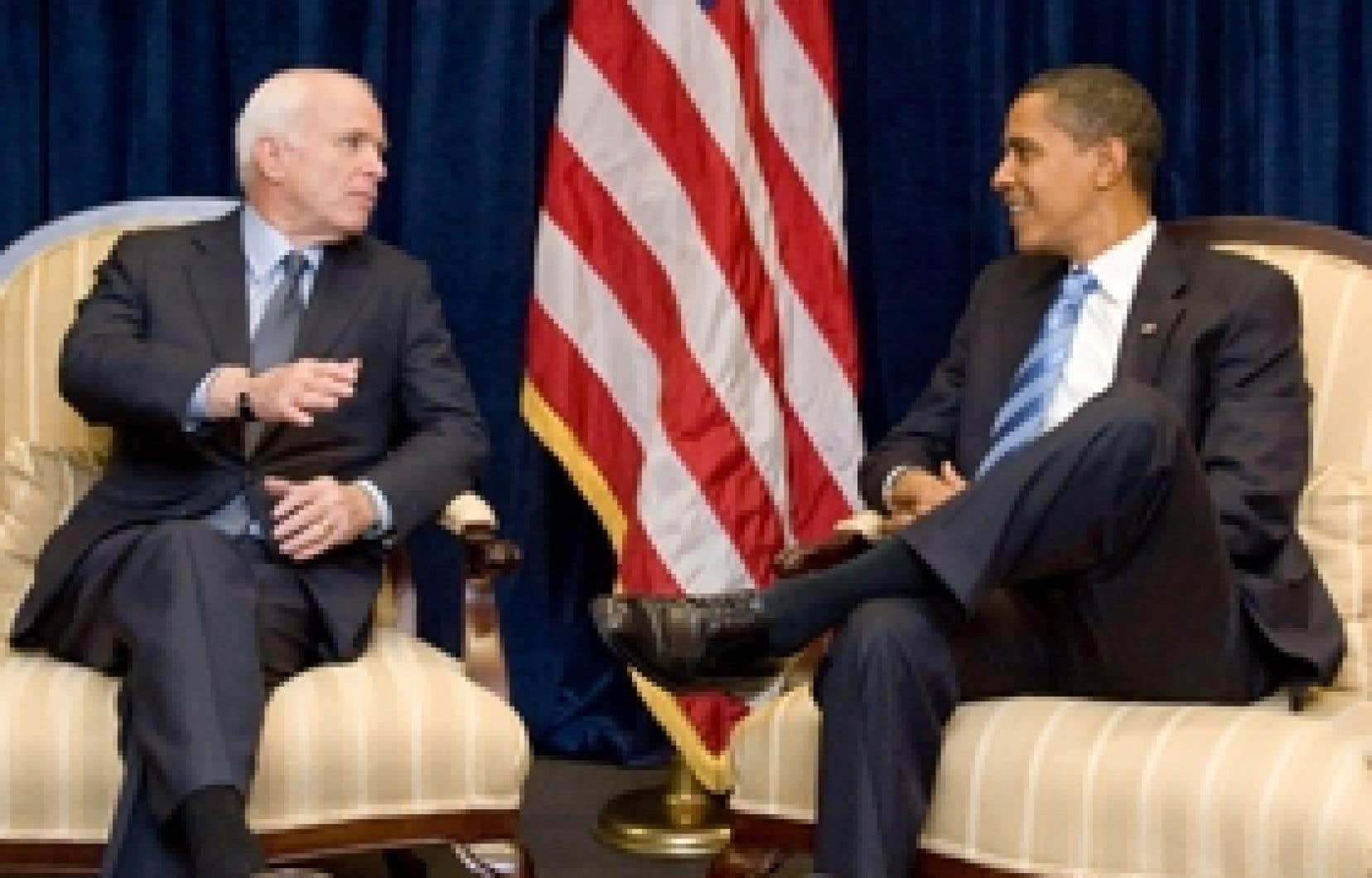 John McCain et Barack Obama se sont rencontrés hier à Chicago, treize jours seulement après le scrutin présidentiel.