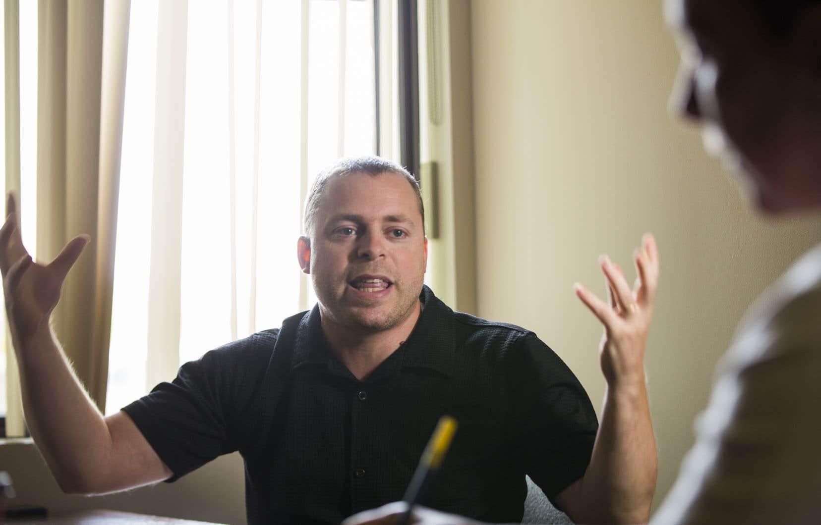 Le directeur général de La Sortie, Ronald Lepage, assure que «[son organisme] n'est pas une mission religieuse, mais un projet séculier».