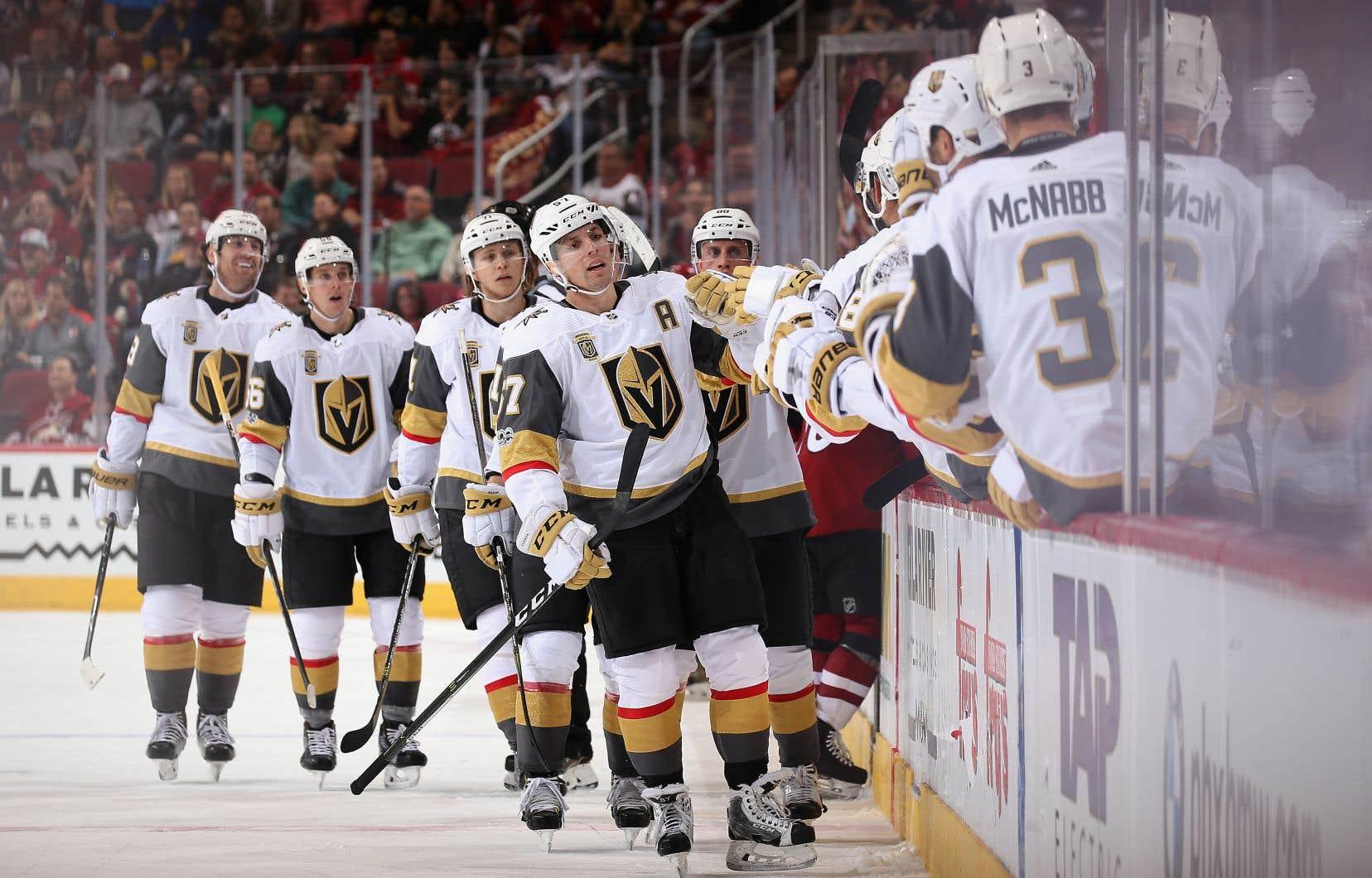 On jouera au hockey, mais les célébrations devront attendre.