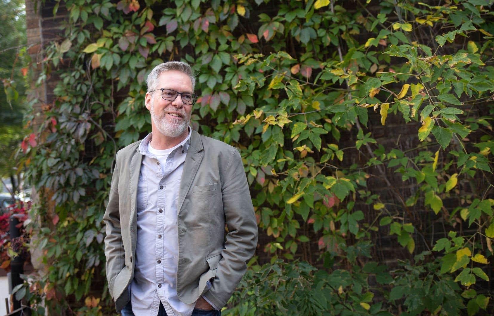 Le nouveau héros de l'auteur, Patrick Kelly, est plus complexe que Joseph Laflamme, le personnage principal des romans précédents.