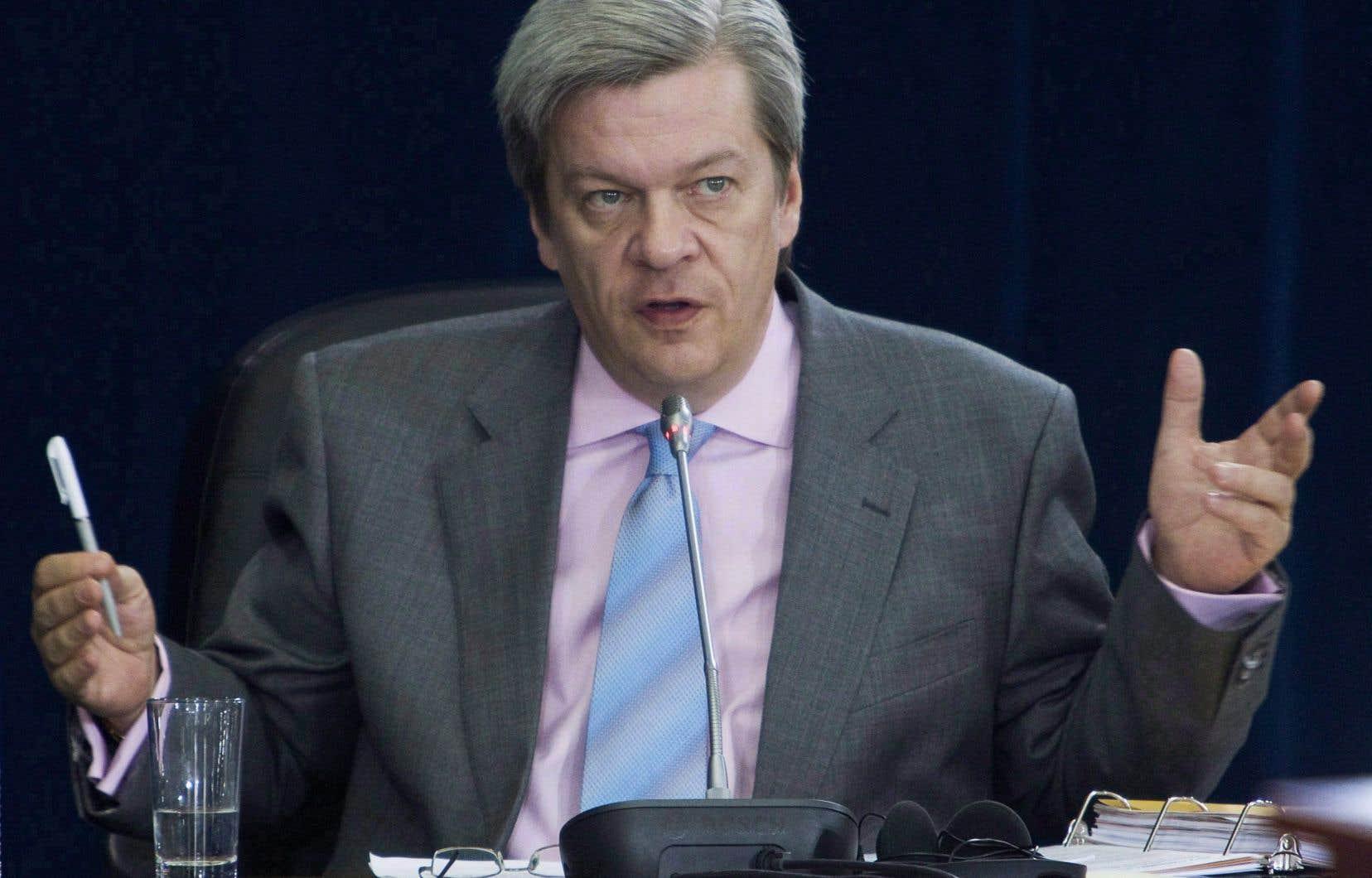 L'analyste politique Luc Lavoie a réintégré jeudi après-midi l'équipe de l'émission «La Joute».