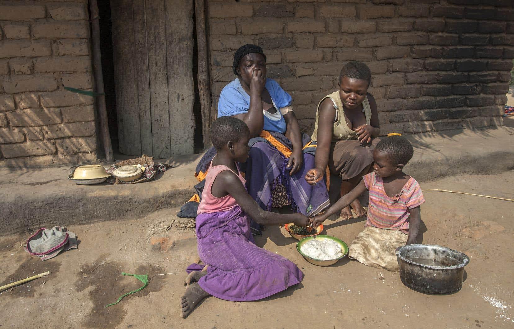 Dans les 146 pays étudiés, l'âge de la paternité est en moyenne de 33,6ans, contre 28ans pour celui de la maternité.