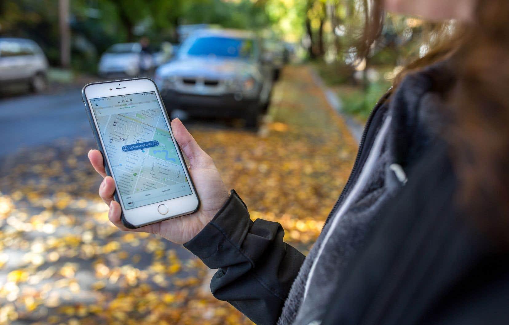 Selon la poursuite civile déposée au palais de justice de Montréal, le chauffeur d'Uber se serait emporté après que sa passagère eut commencé à le filmer avec son téléphone parce qu'il l'insultait.