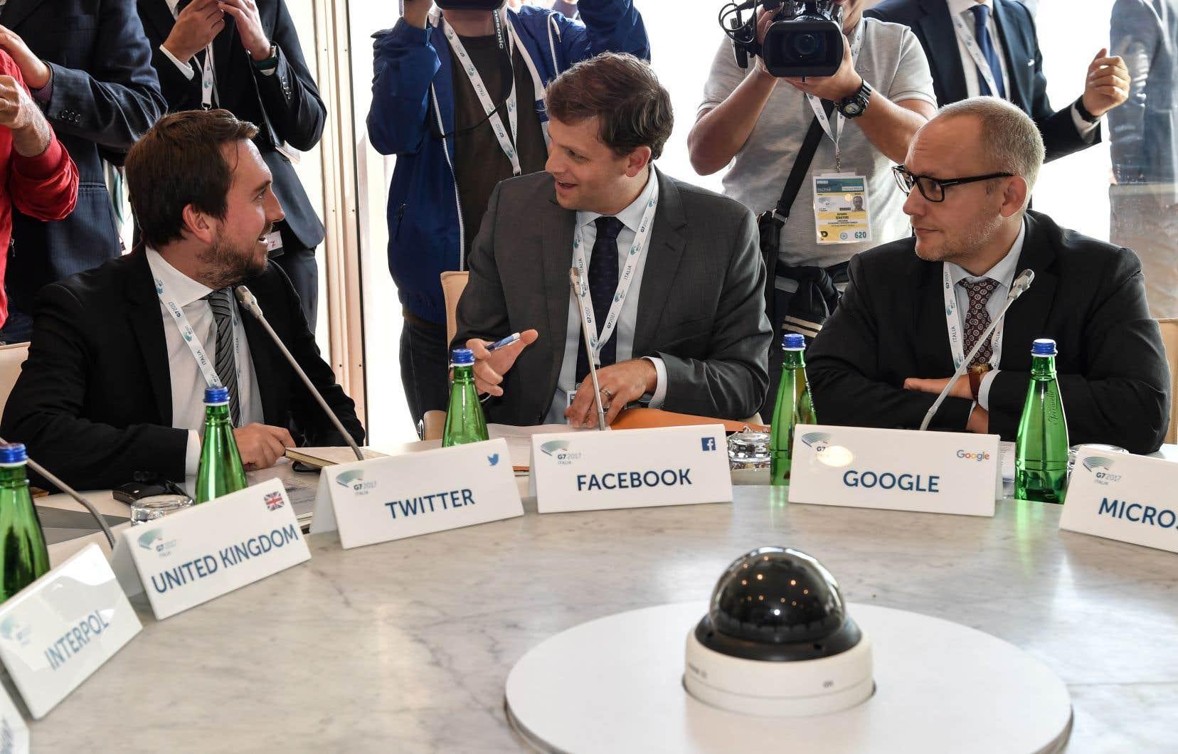 Des représentants de Google, Facebook ou encore Twitter et les ministres de l'Intérieur des pays du G7 se sont retrouvés jeudi et vendredi à Ischia, en Italie.