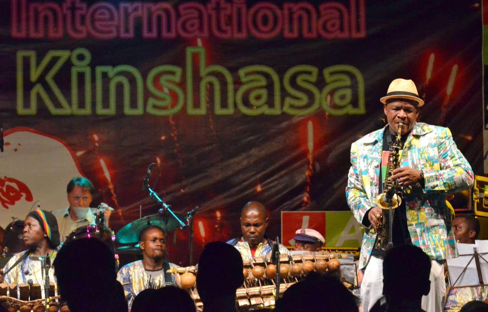 Le saxophoniste Ernest Dawkins avait rejoint les rangs de l'AACM au début de sa carrière. Sur la photo, le musicien donne un spectacle au festival de jazz de Kinshasa en 2012.