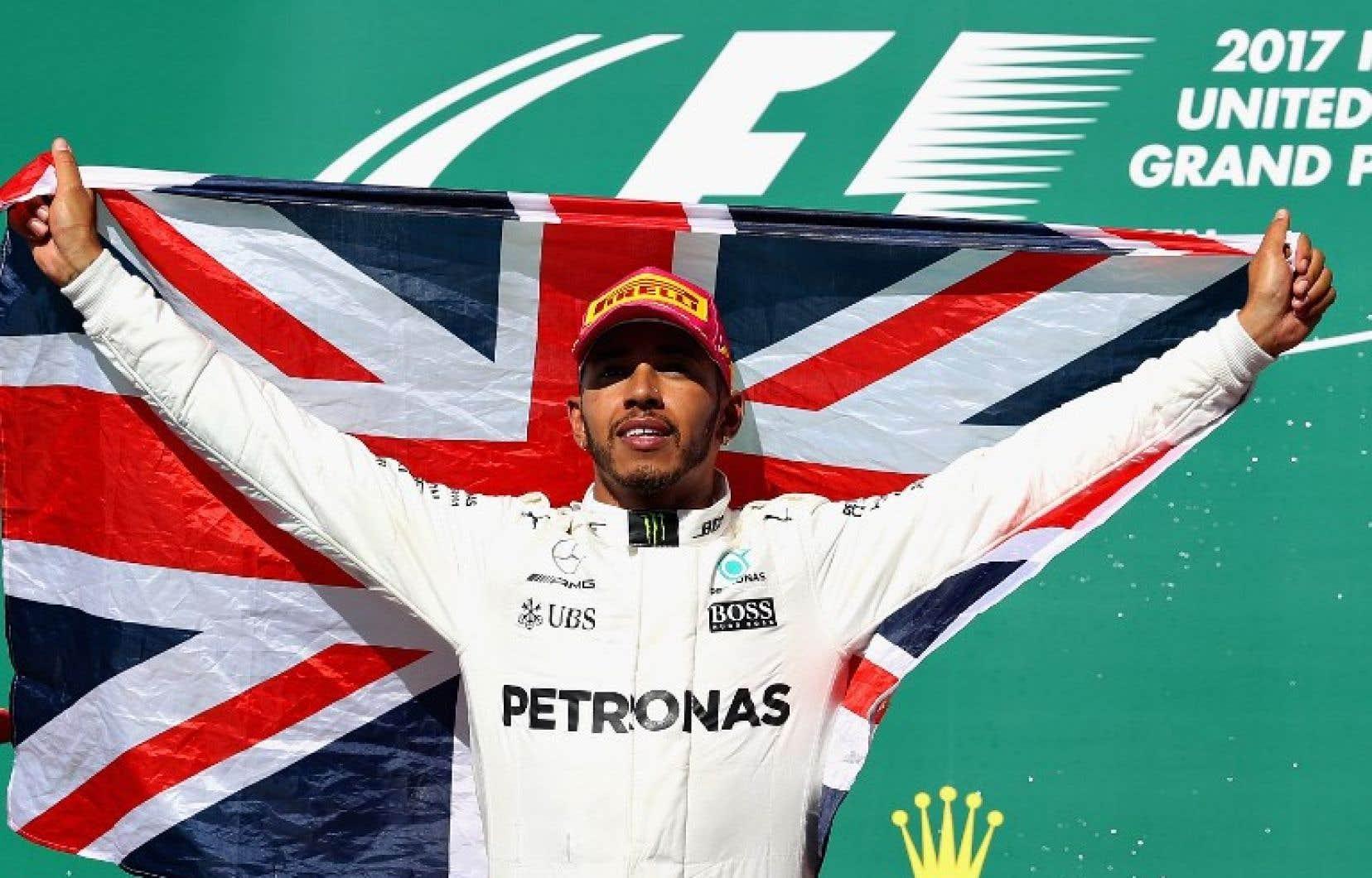 Le pilote Mercedes Lewis Hamilton