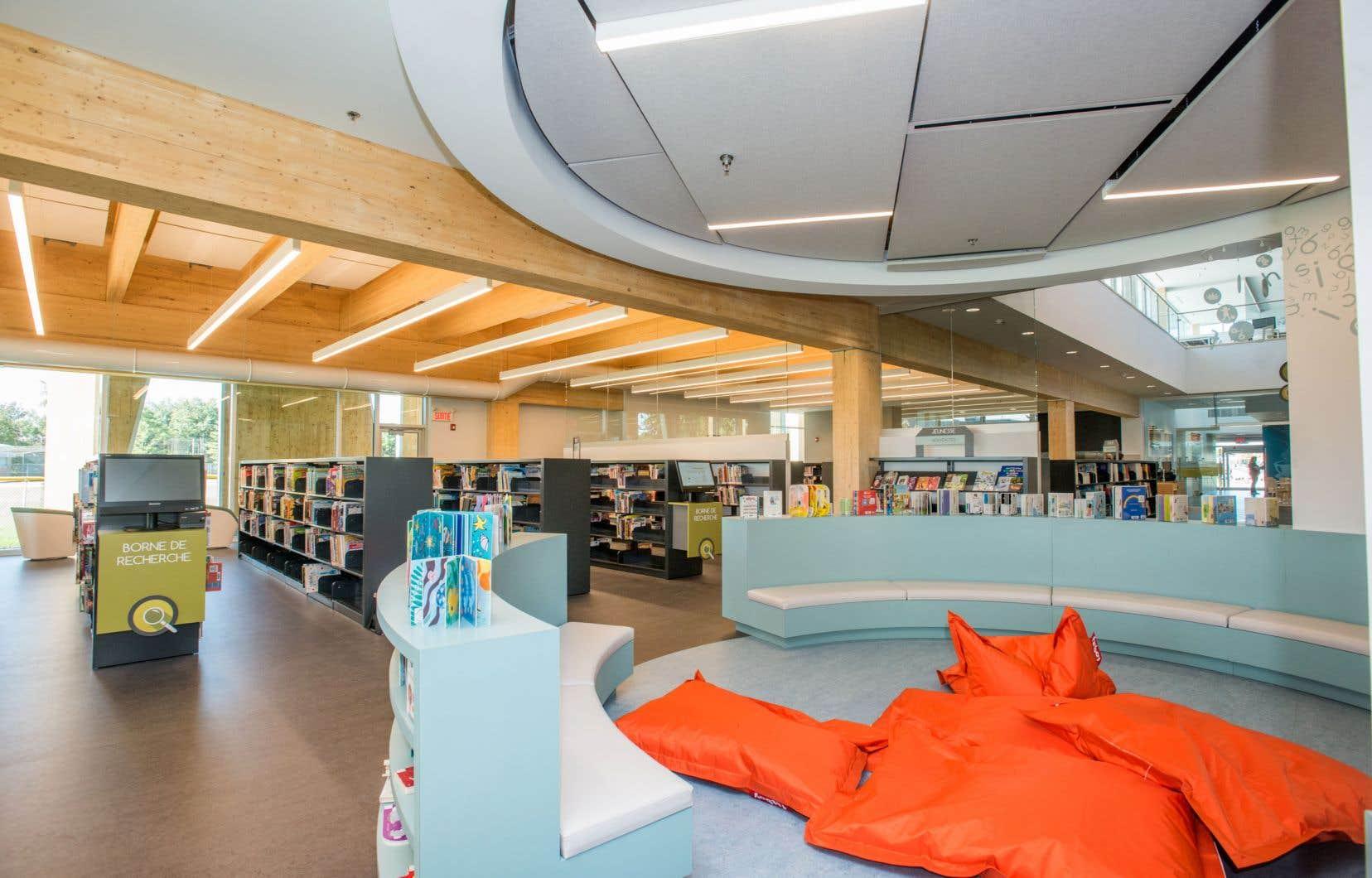 La bibliothèque Paul-Mercier, à Blainville, est née en 2015, avec un budget de construction de 12millions de dollars.