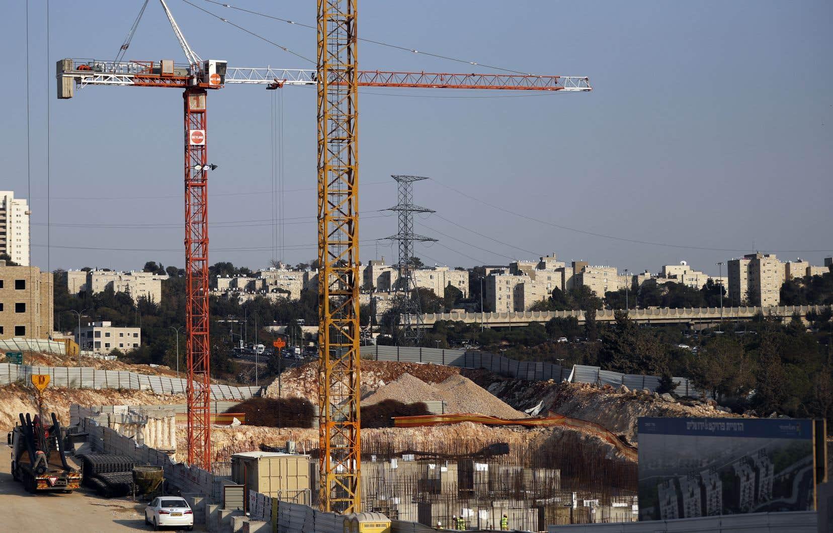 Une commission de la municipalité israélienne de Jérusalem a donné son feu vert à la construction de 176 nouveaux logementsen plein quartier palestinien.