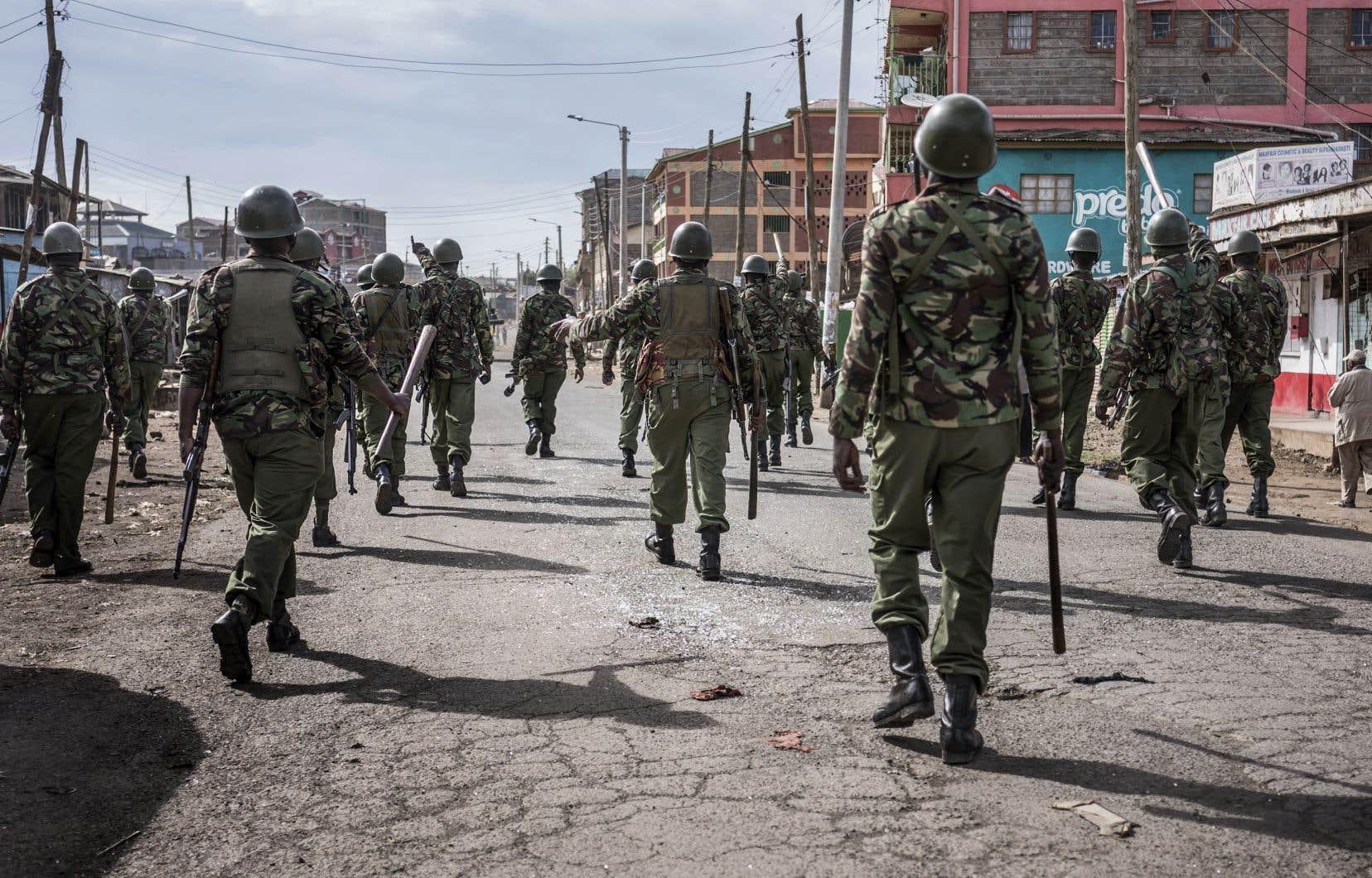 Le vote a été reporté dans certains bastions de l'opposition où les bureaux de scrutin n'avaient pas pu ouvrir en raison de problèmes de sécurité.