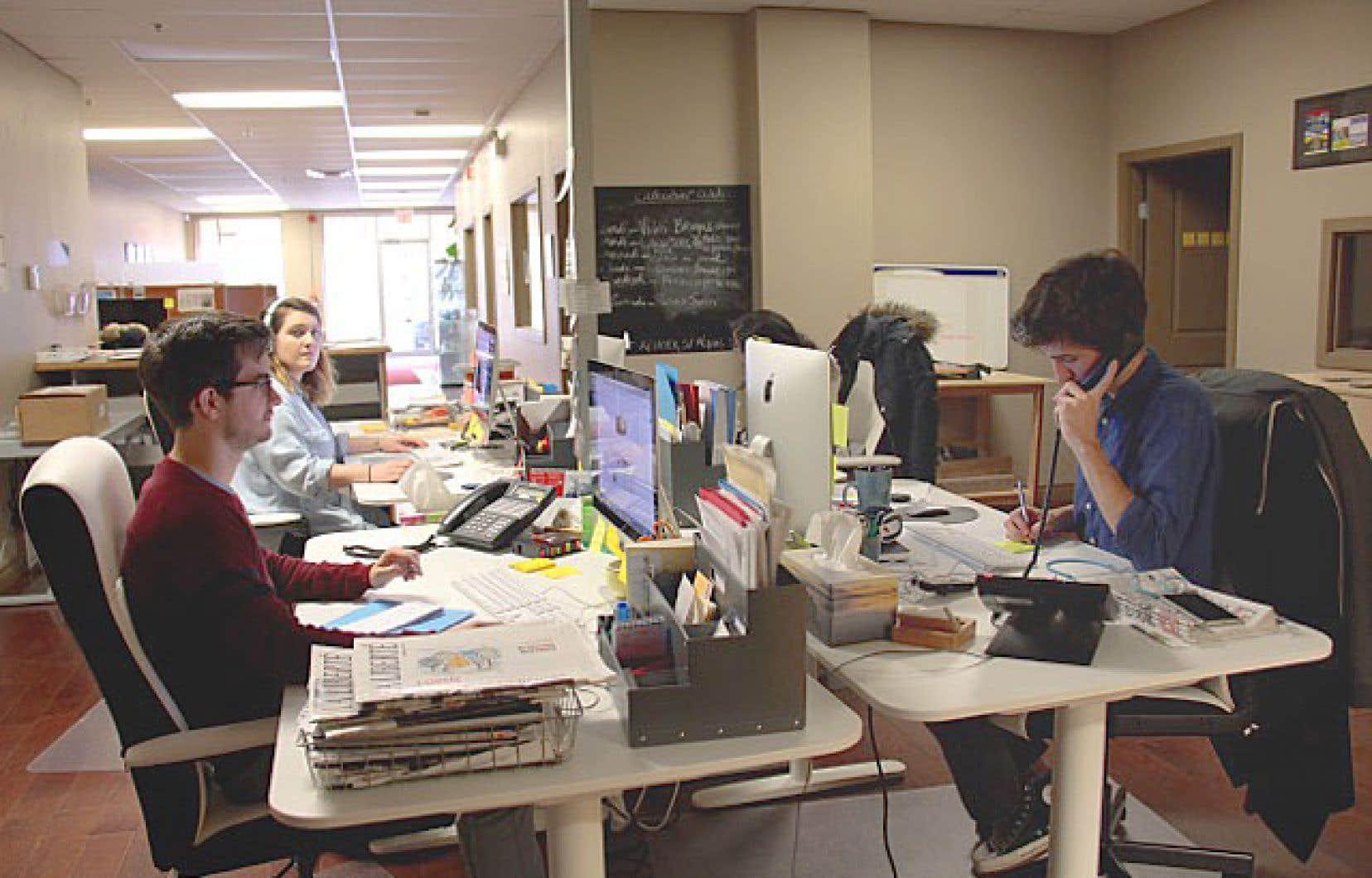 Les salles de rédaction des 18 journaux de l'APF, dont celle de «La Liberté» au Manitoba, ont signé la Charte de la presse écrite de langue française en situation minoritaire au Canada.