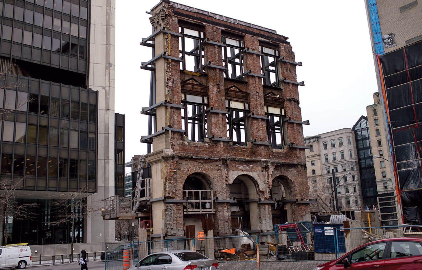 Parfois, on ne conserve que la façade.