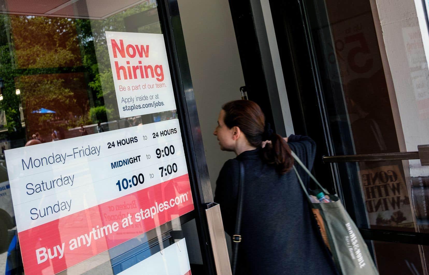 Les créations nettes d'emplois ont grimpé de 261 000 aux États-Unis.