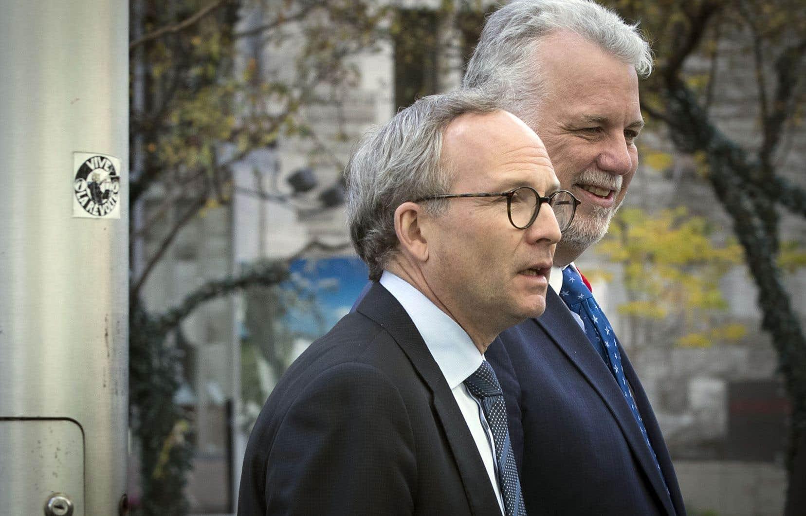 Philippe Couillard et Martin Coiteux, qui sont venus saluer et féliciter la nouvelle élue lundi matin, ont affirmé être ouverts à travailler avec MmePlante sur les enjeux de mobilité, sans toutefois donner plus de détails.