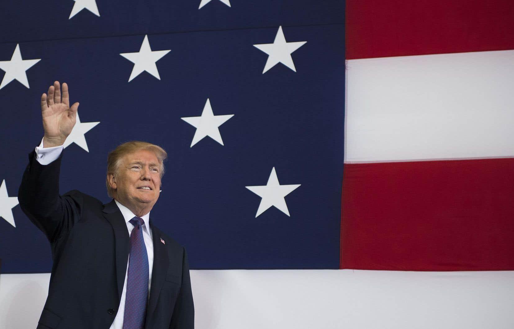 Avec 38% d'appuis à un an du scrutin, Donald Trump figure parmi les présidents les moins populaires de l'histoire à l'approche d'une élection de mi-mandat.