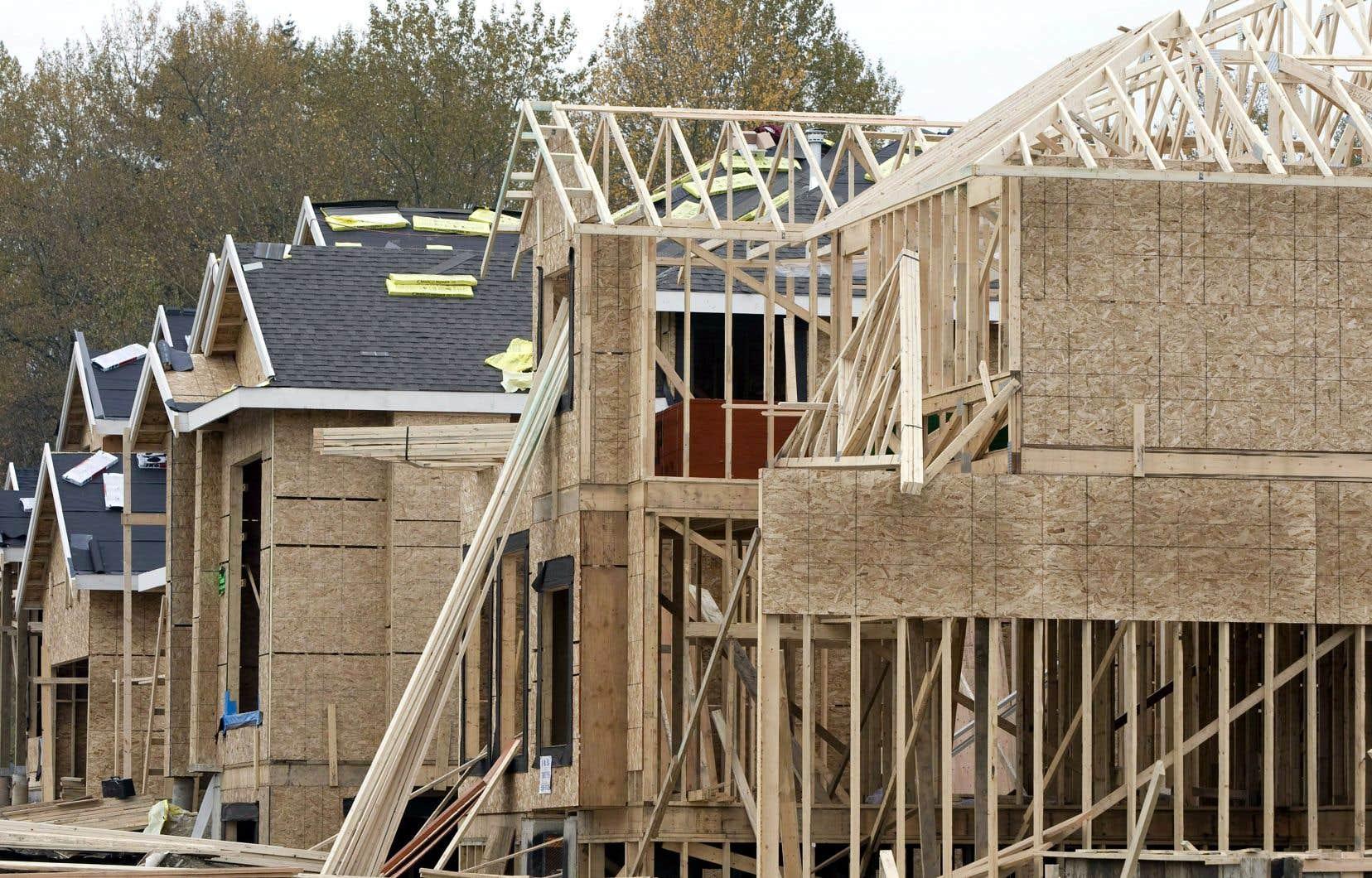 La cadence annuelle des mises en chantier dans les centres urbains a grimpé de 2,5% à 205 935 unités.