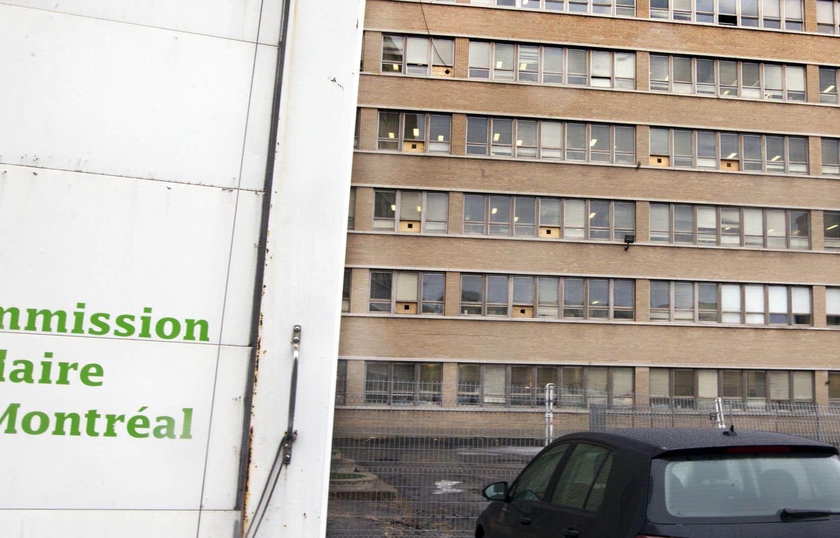 Pour financer une partie des coûts de relocalisation de son siège social, la CSDM envisagerait de mettre en vente une douzaine de ses bâtiments décrits comme «excédentaires», occupés par des groupes communautaires.